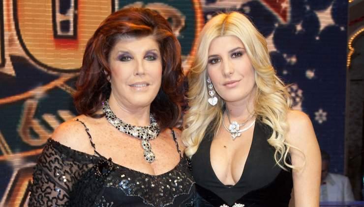 Patrizia & Giada De Blanck insultate