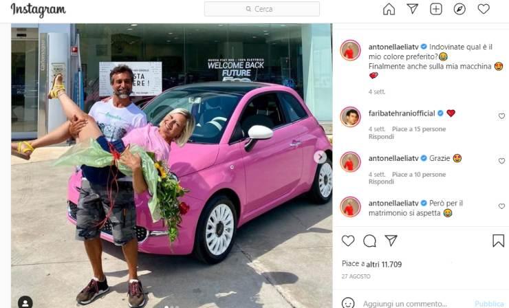 Antonella Elia macchina Rosa